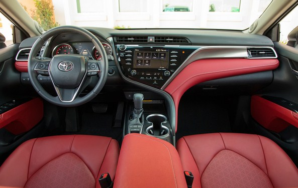 Toyota camry 2018 xse interior car help canada for 2018 toyota camry xse interior
