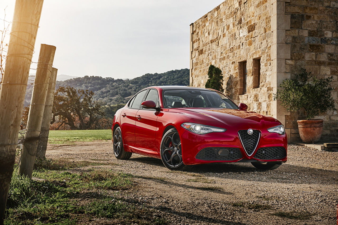 2018 alfa romeo giulia ti q4 test drive and review specifications pricing. Black Bedroom Furniture Sets. Home Design Ideas