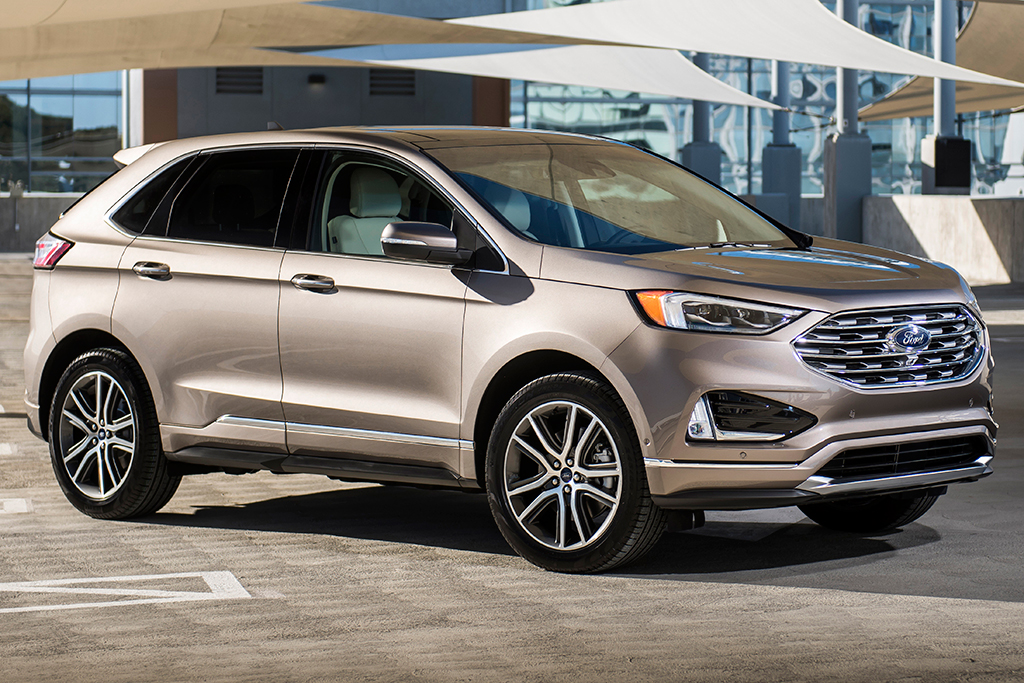 Road Test 2019 Ford Edge Titanium Car Help Canada